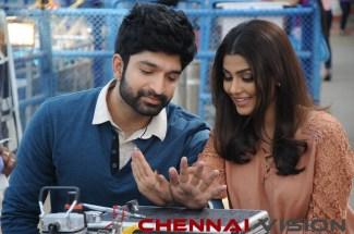 Seven Tamil Movie Photos 5