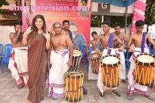Actress Sherin Shringar Drums