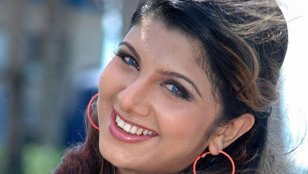 Rambha demands Rs 2.5 lakh per month from husband