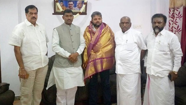 MGR relatives join BJP