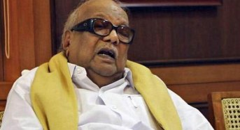 Karunanidhi undergoing speech therapy