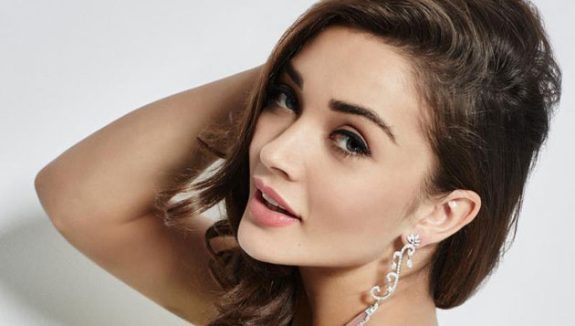 Amy Jackson turns producer