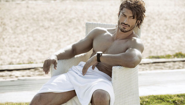Cupping therapy introduced in India by Vidyut Jammwal