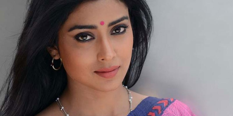Shriya Saran ties the knot in secret wedding