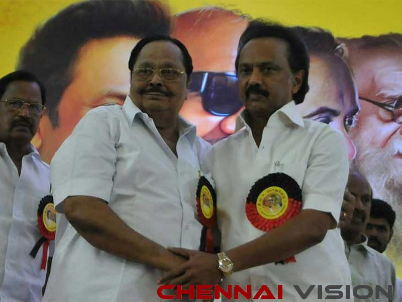 Twist in tale: Alagiri says he is ready to accept Stalin as leader