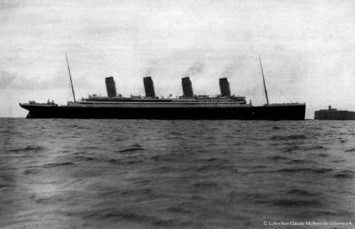 Le Titanic, dans la rade de Cherbourg, le 10 avril 1912