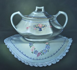Mi Ma's Sugar Bowl by Cheri Rol