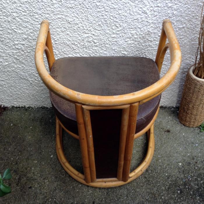 half moon chair  Cherrie Hub