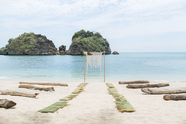 sam-belle-guimaras-beach-wedding-by-lovetrain-01