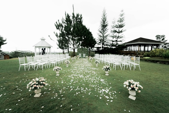 Jezreel & Gilbert's Intimate Bukidnon Wedding by Ed Millard