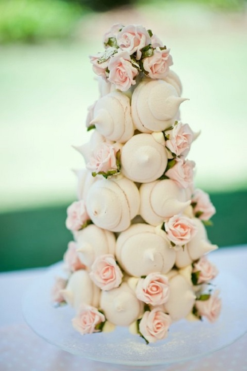 5 Meringue Kisses Cake