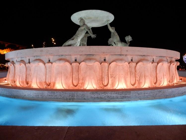 Malta Valletta Christmas cherrylsblog.com fountain DSCN8464
