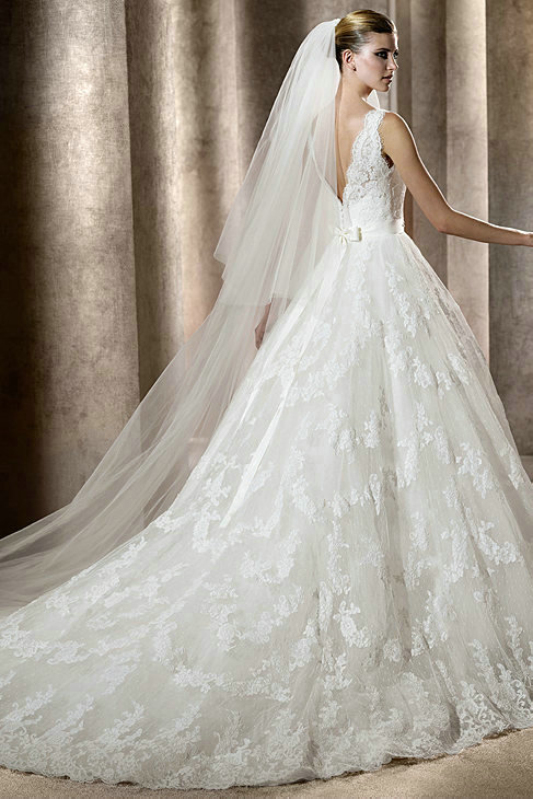 lace ball gown wedding dress with v-neckline