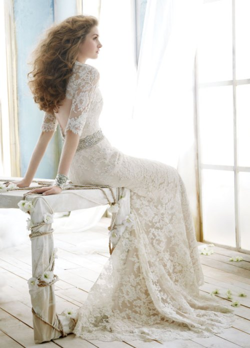 lace wedding dress with sleeves and sweep train