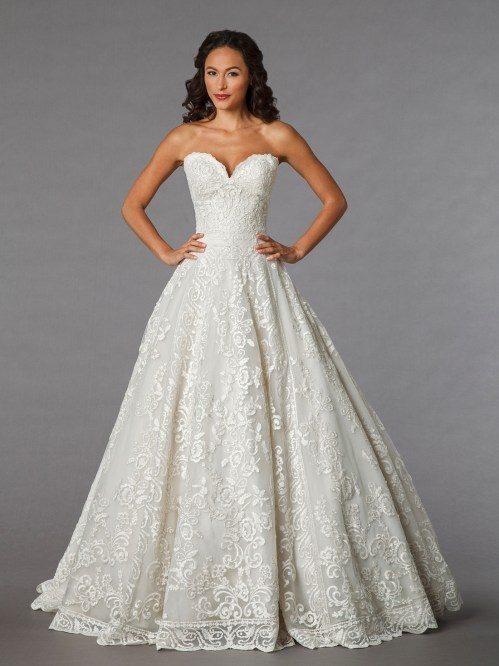 sweetheart lace ball gown wedding dress with floor length