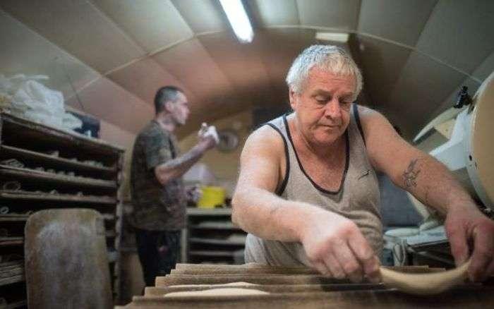 Шок, во Франции мужчина продал свою пекарню за 1 евро (11 фото)