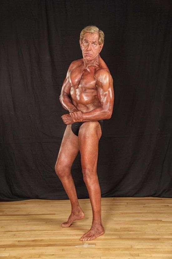 Вот это дедушка! 72-летний бодибилдер демонстрирует свою фигуру