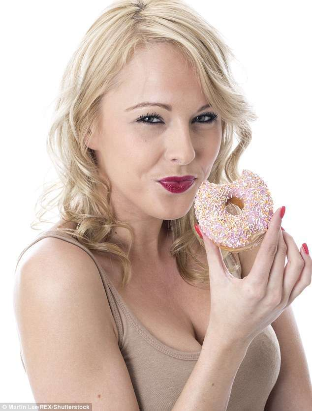 Что мы едим: британка хранила сладости 20 лет, а им хоть бы хны