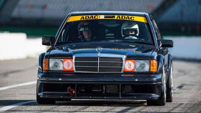 Mercedes построил копию гоночного седана 190E 2.5-16 Evo II-5 фото-
