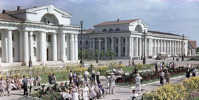 Последний сталинский год, 1952-й, в цвете-22 фото-