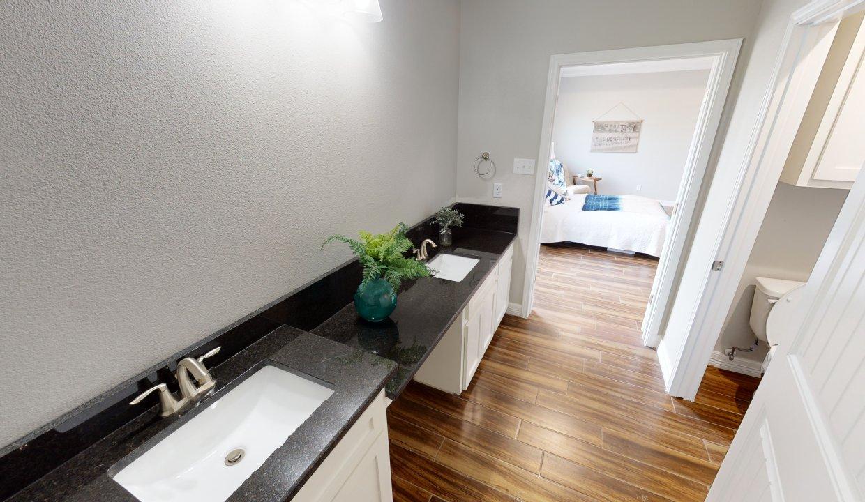 3918-Pennine-Way-Master-Bathroom
