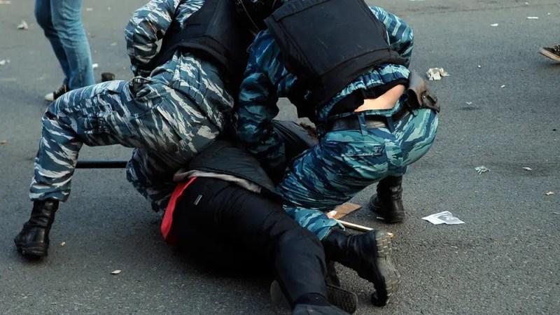 Полицейский беспредел во Владимире: при задержании мужчине сломали руку