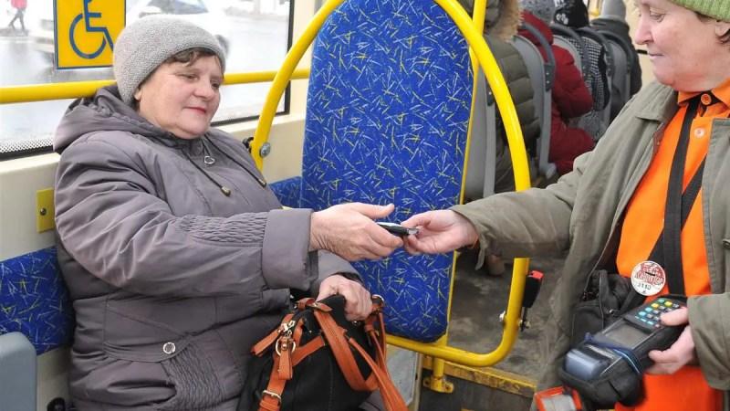 Во Владимире неиспользованные проездные продлили еще на месяц