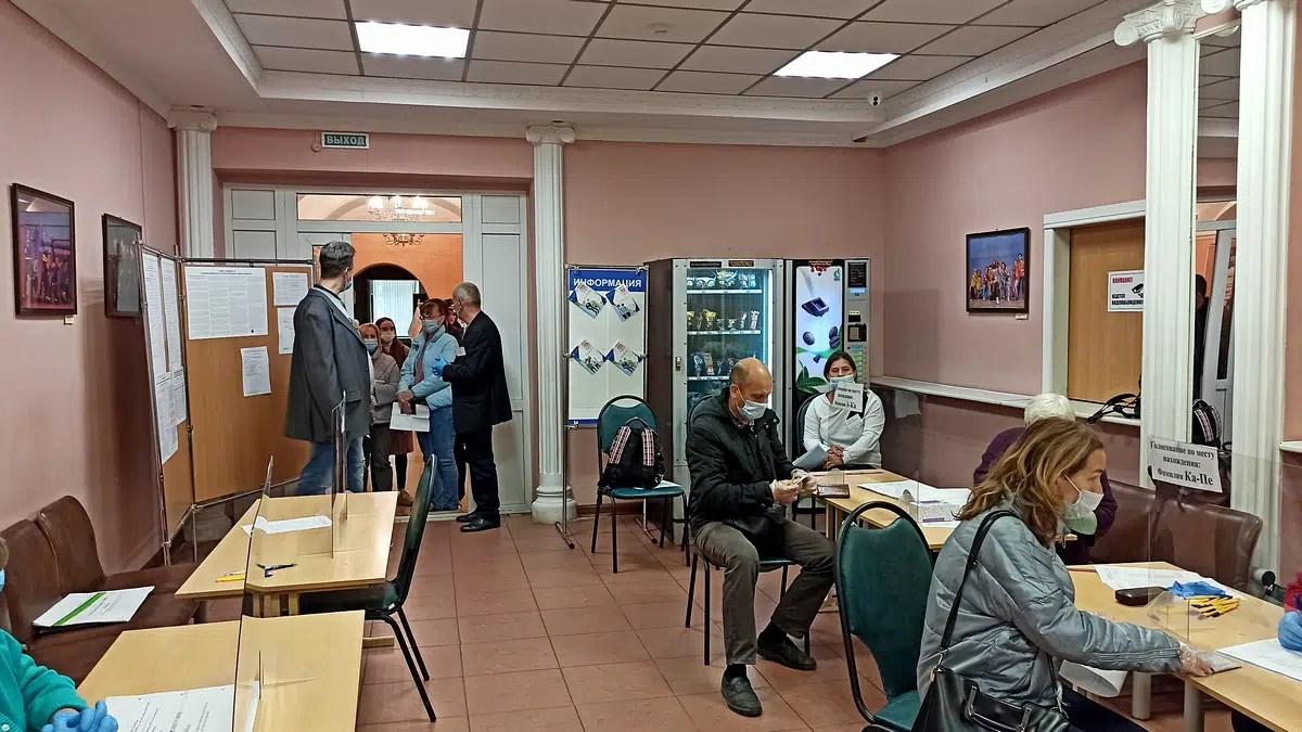 «А нам велели». Выборы в Госдуму во Владимире начались со сгона бюджетников