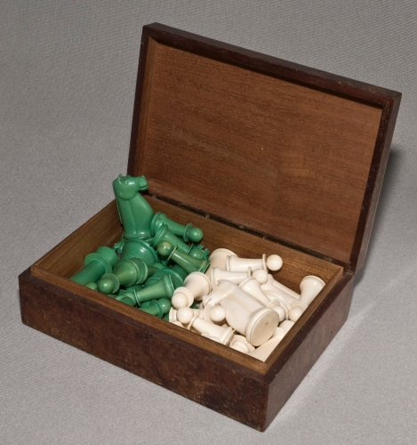 Antique Indian Ivory Staunton Chess Set Green
