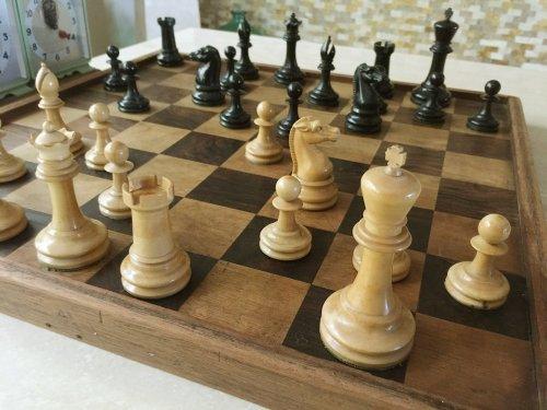 British Chess Company Staunton Chessmen