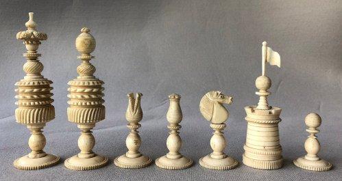"English Barleycorn Chessmen, 5"" King."