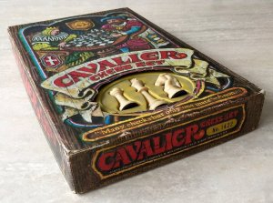 Cavalier Home Edition Chessmen