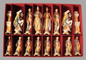 Gardena Art Pyrenees Chessmen