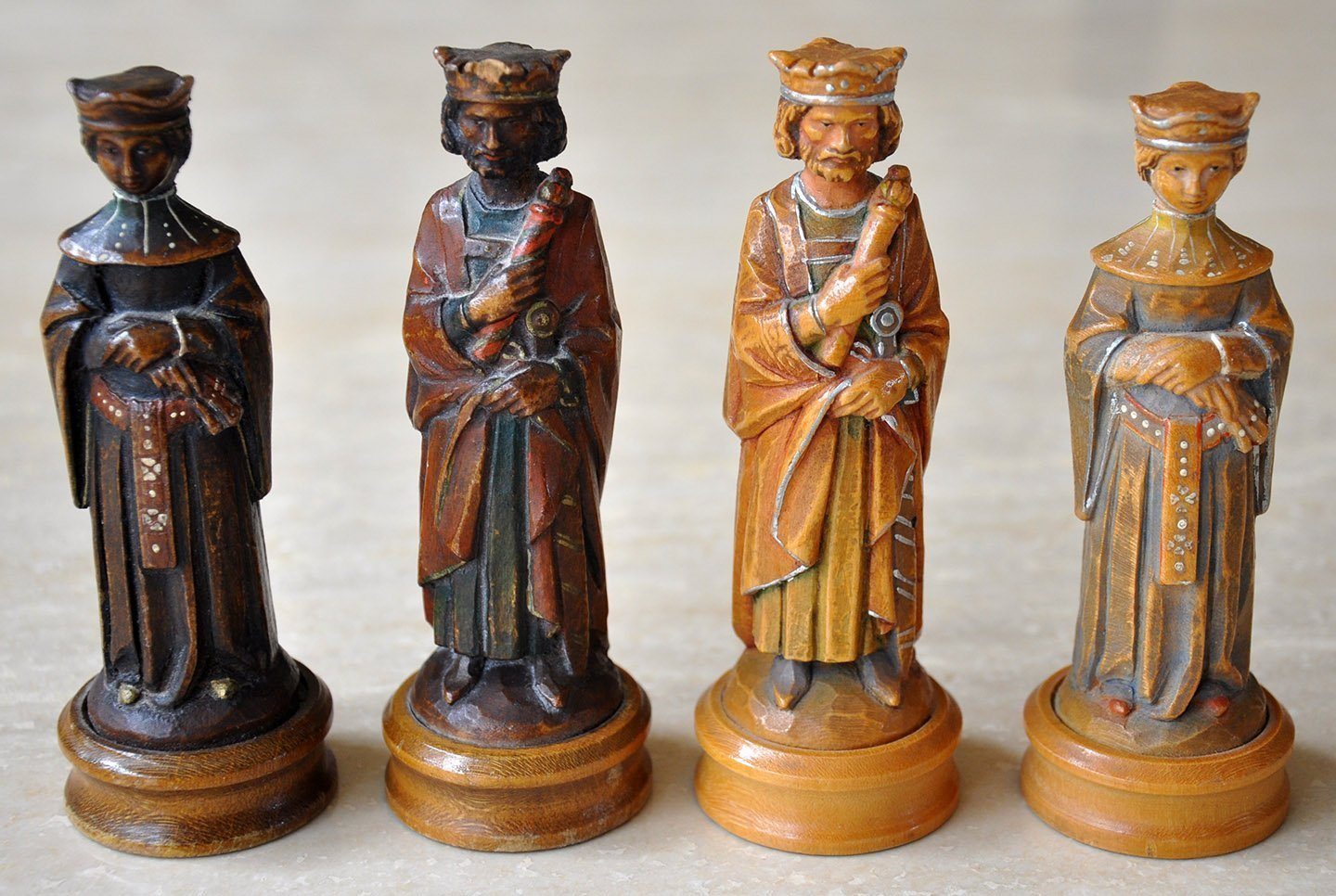 Anri king arthur chess set cased - Collectible chess sets ...