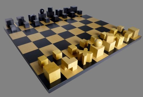 Bauhaus Hartwig Abstract Chess Set
