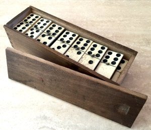 Traditional Dominoes Set
