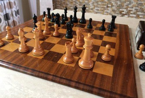 Golden Castle Craftsman Master Chessmen
