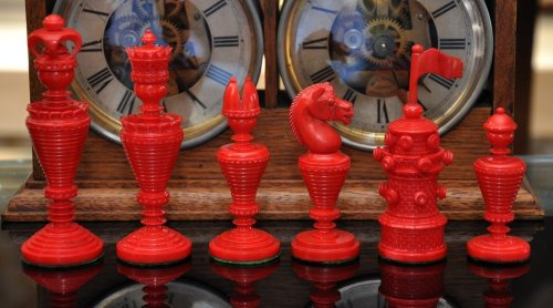 Anglo-Dutch Reproduction Bone Chessmen