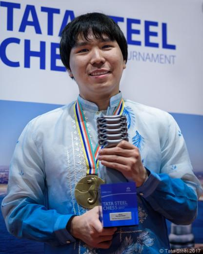 Wesley So and his Trophy for Tata Steel Masters 2017