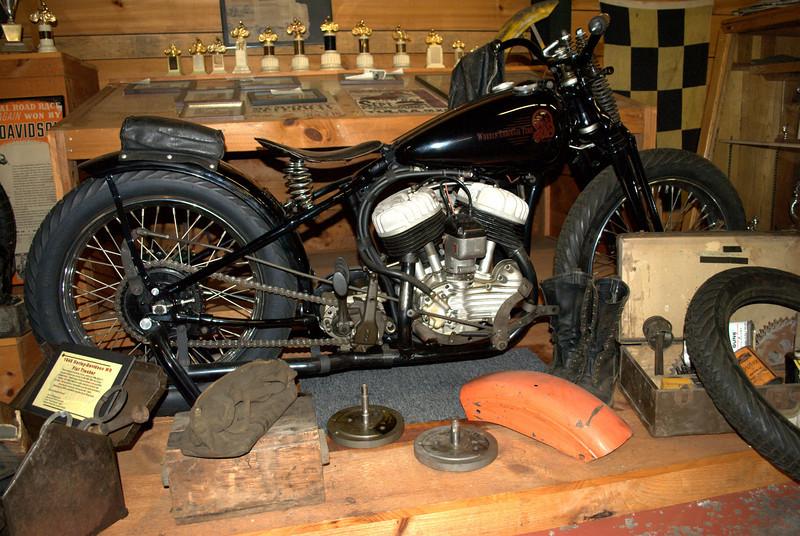 1948 HD WR Flat Tracker...