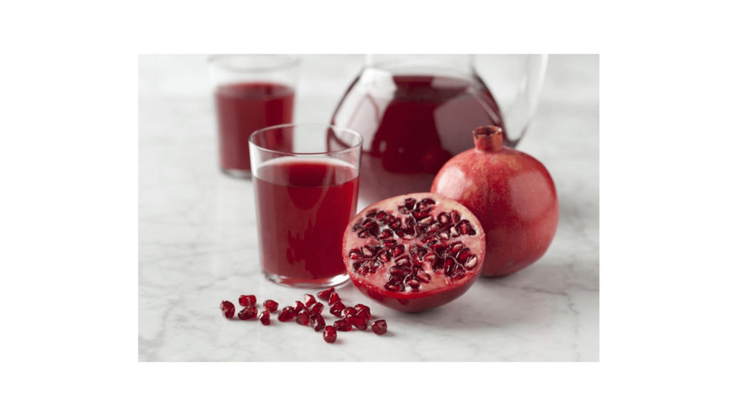 Healthy Natural Drinks That Reduces The Cholesterol Level-Pomegranate Juice
