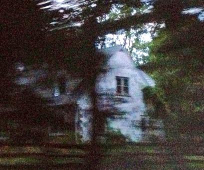abandoned house on morstein