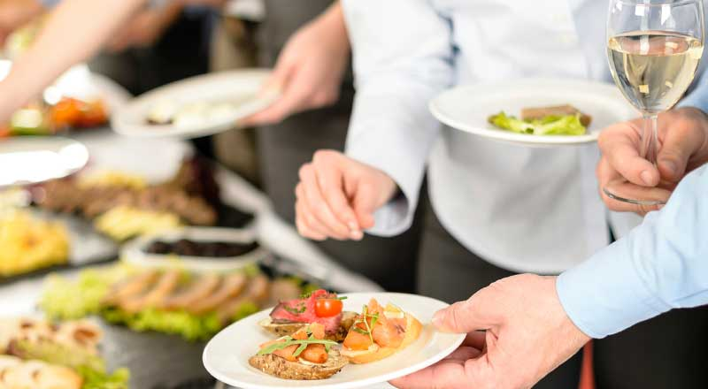 Guests-Eating-Food-Wesbite-Image