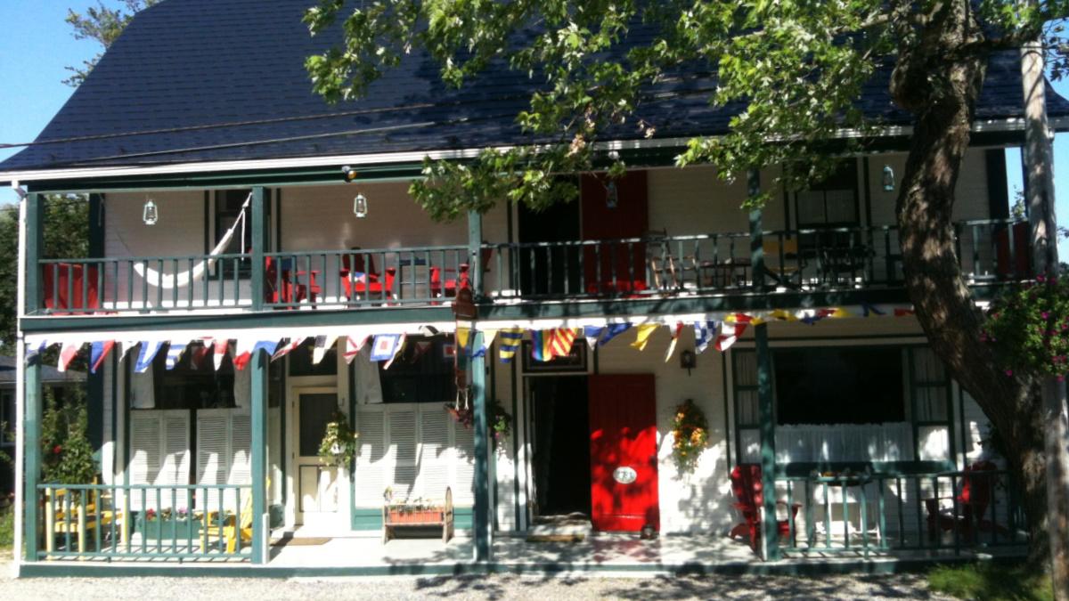Mecklenburgh Inn