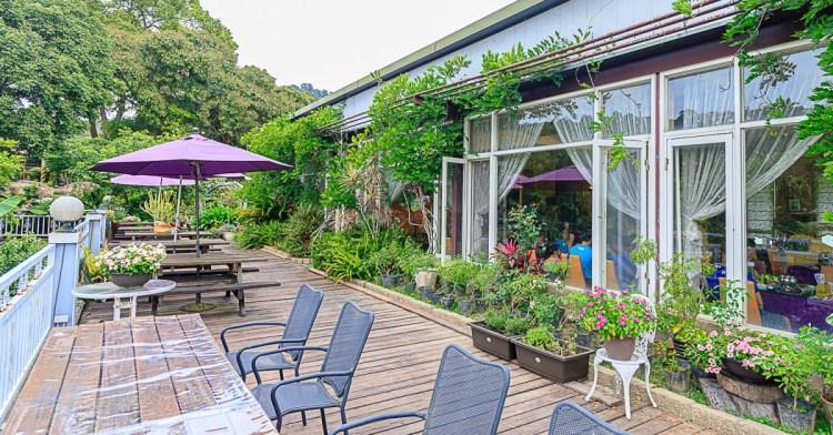 新社普羅旺斯庭園餐廳,台中人氣老字號景觀餐廳,平日採預約制,招牌烤雞腿更是每桌必點!