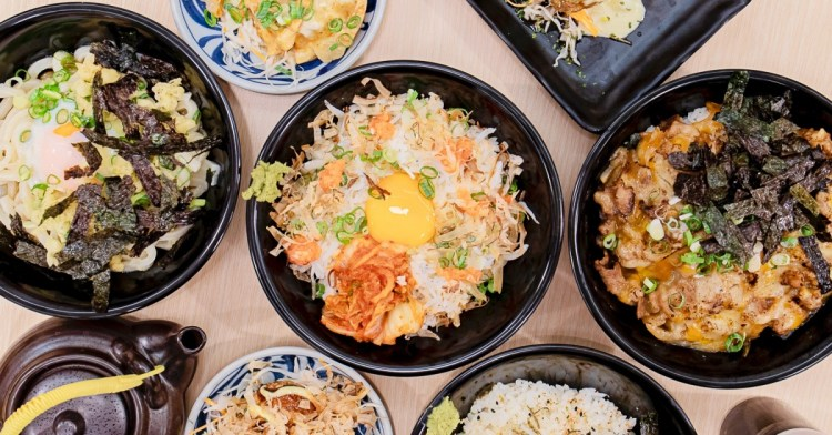 台中平價日式料理新開幕!除了美味茶泡飯、納豆拌飯與生蛋拌飯,還有炸章魚燒與炸餃子!
