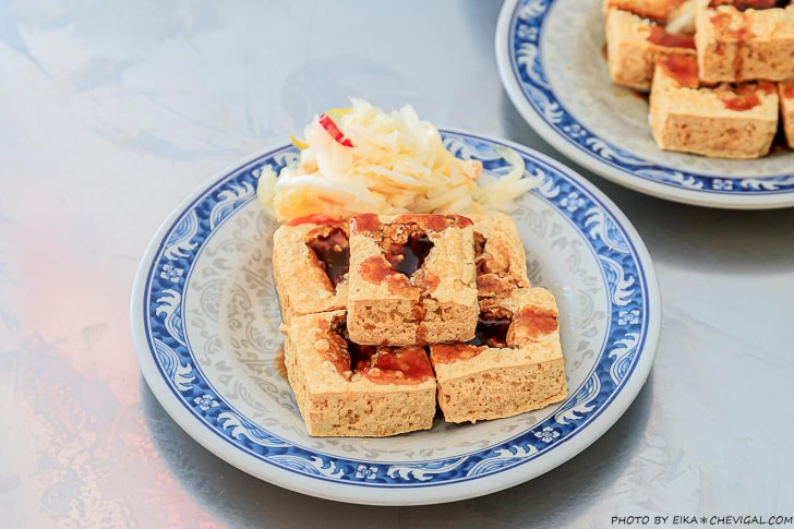 20200908193304 91 - 每天只賣五小時!台中人氣臭豆腐,開攤不用半小時就座無虛席,還有紅茶與湯品無限享用!