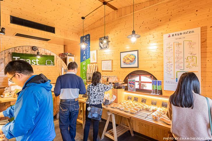 20210131201155 29 - 南投美食│隱身在田野間的人氣麵包店,開店前半小時就有客人在等候!鹽可頌必買,想吃還要碰運氣~