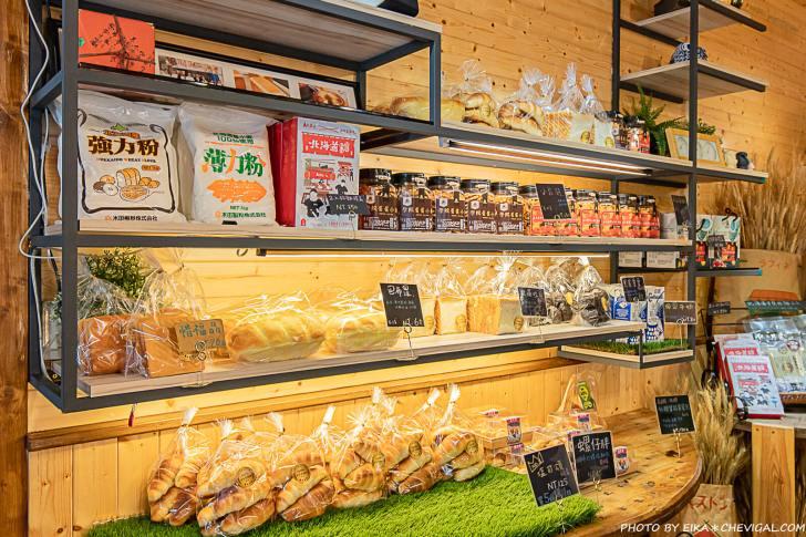 20210131201159 87 - 南投美食│隱身在田野間的人氣麵包店,開店前半小時就有客人在等候!鹽可頌必買,想吃還要碰運氣~
