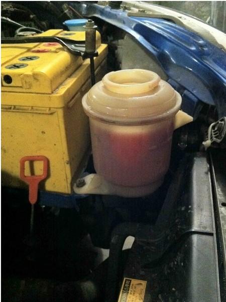Замена масла в гидроусилителе руля и прокачка системы рулевого управления автомобиля Шевроле Авео 1.5